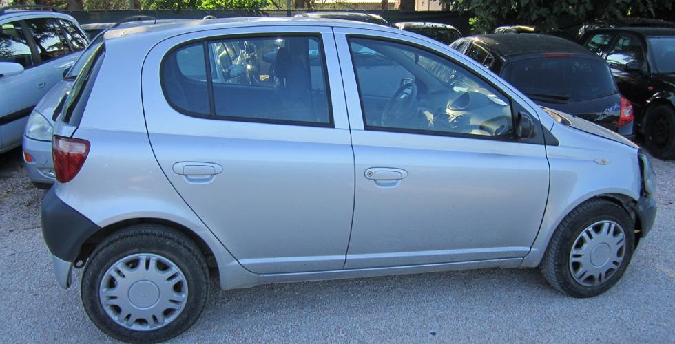 Toyota yaris anno 2002 incidentata veicoli usati paglierani snc
