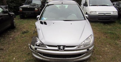 PEUGEOT 206 ANNO 2003 BENZINA 4 PORTE INCIDENTATO